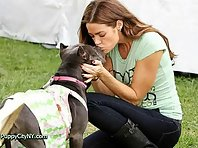 Celebrities Kissing Their Pets!